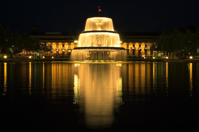fountain-383894_640